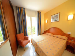 son floriana apartments twin room