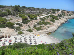 Guide to Calas de Mallorca - Tourist and Travel Information, Hotels, Cala Antena Beach