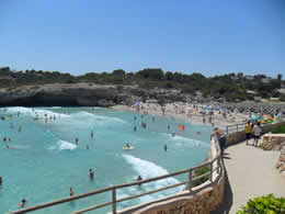 Guide to Calas de Mallorca - Tourist and Travel Information, Hotels, Cala Domingos Beach