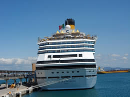 cruise ship in palma port
