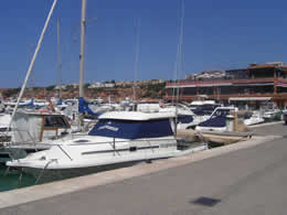 Guide to Santa Ponsa - Tourist and Travel Information, Hotels, Tourists can enjoy a walk to Port Adriano, Santa Ponsa