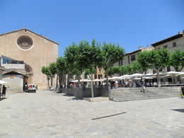 Mallorca (Majorca) Towns and Villages, Pollensa Square